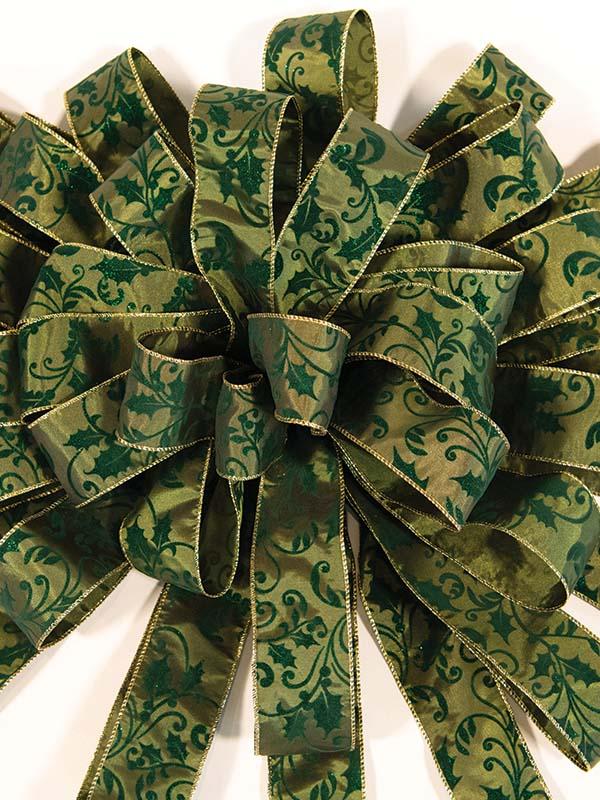 Green Holly Leaf Bow